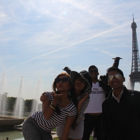 Siblingsmoon: Paris Invasion